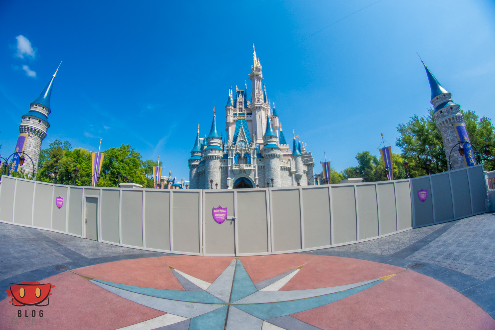 MagicKingdom_CenterStage_04122016-1