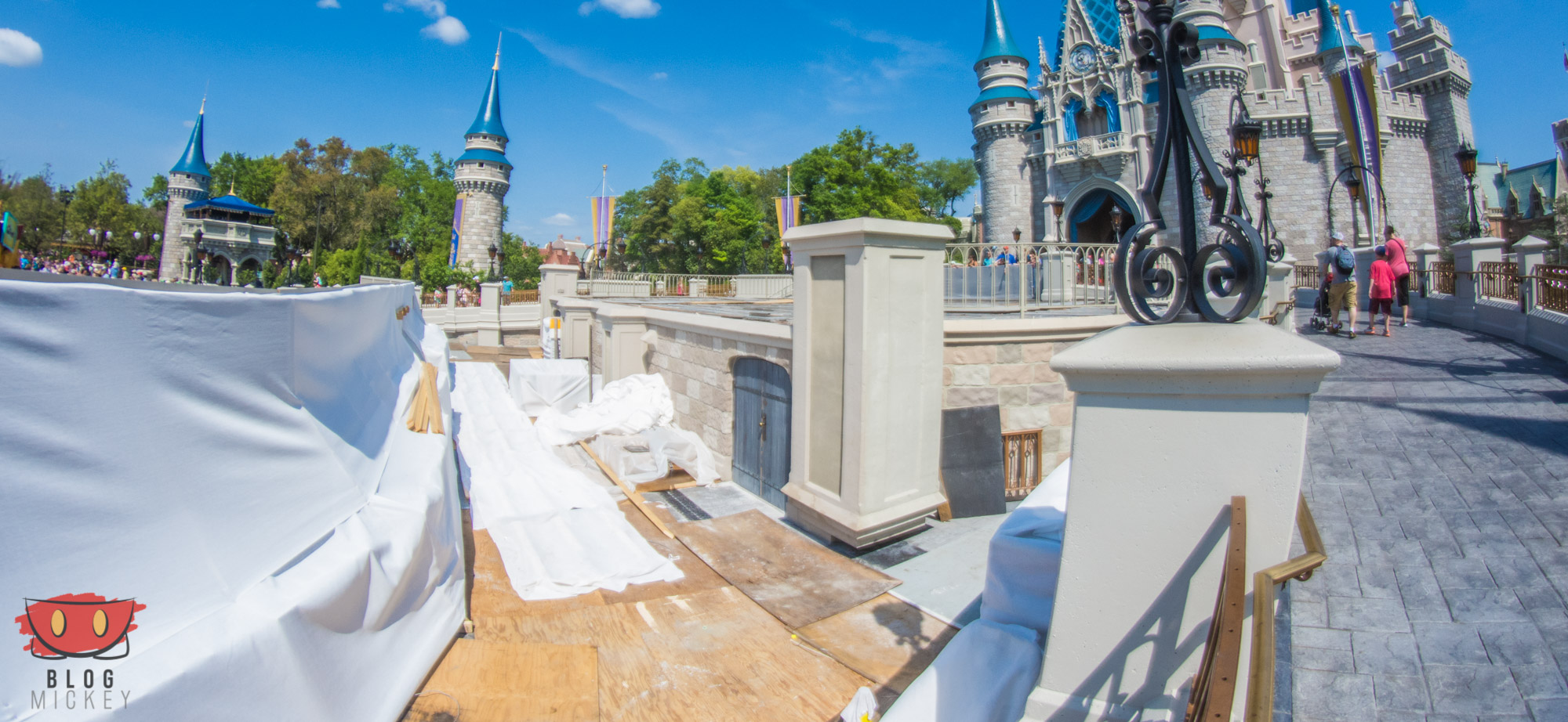 MagicKingdom_CenterStage_04122016-2
