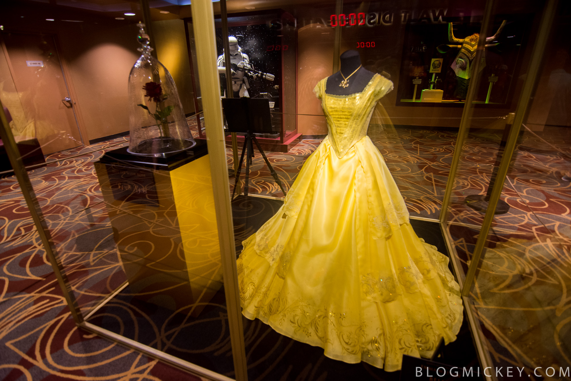 PHOTOS VIDEO Beauty And The Beast Preview At One Mans Dream