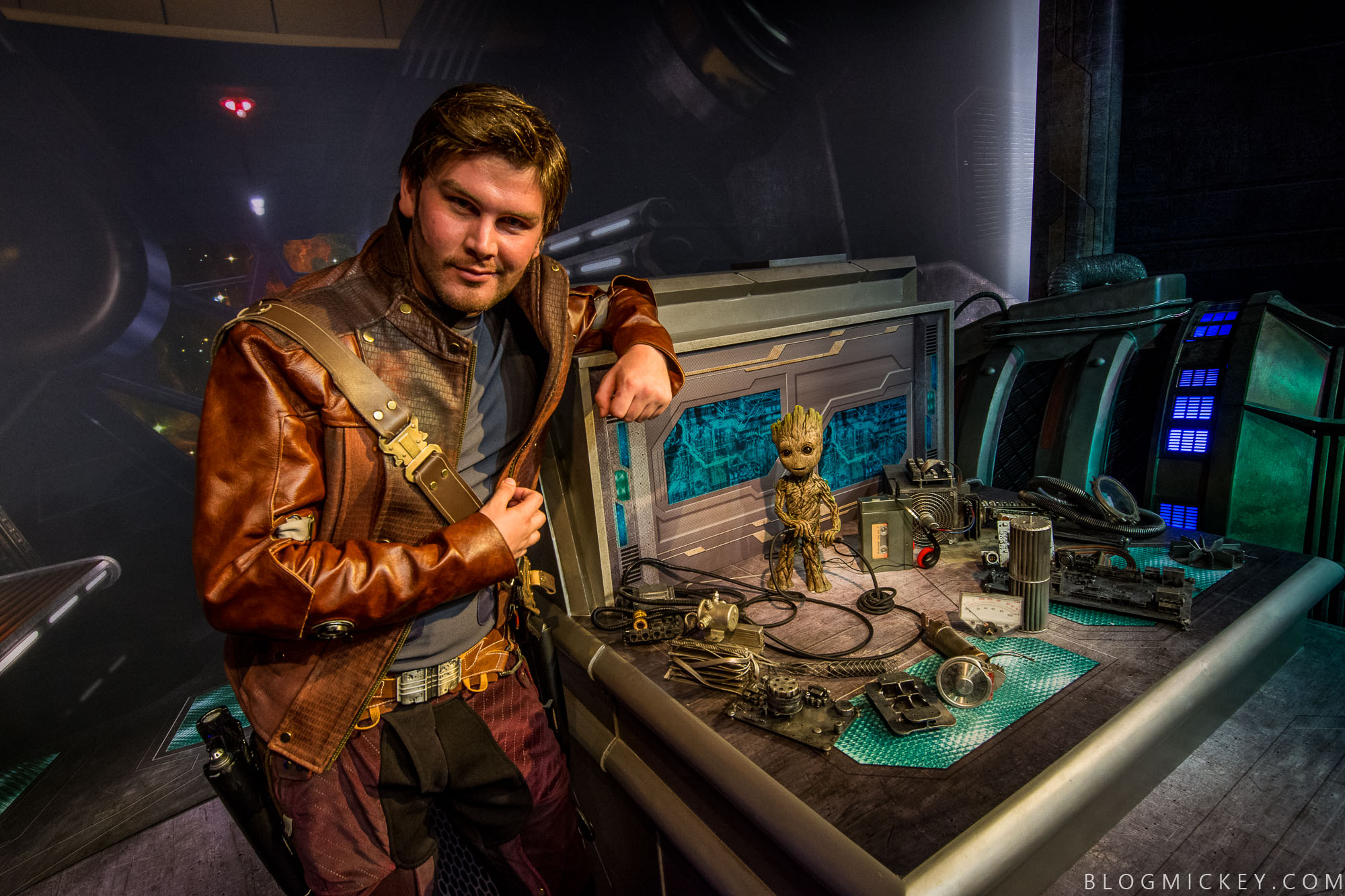 Photos Video Meet Star Lord And Baby Groot At Disneys Hollywood