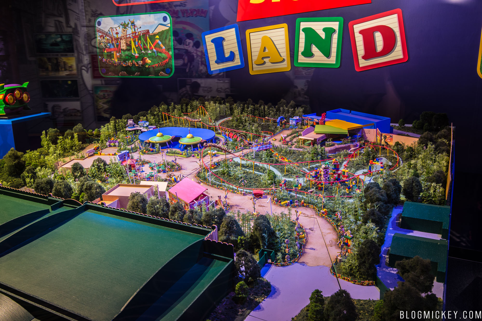 Photo Video Tour Detailed Walkthrough Of The Toy Story Land Model