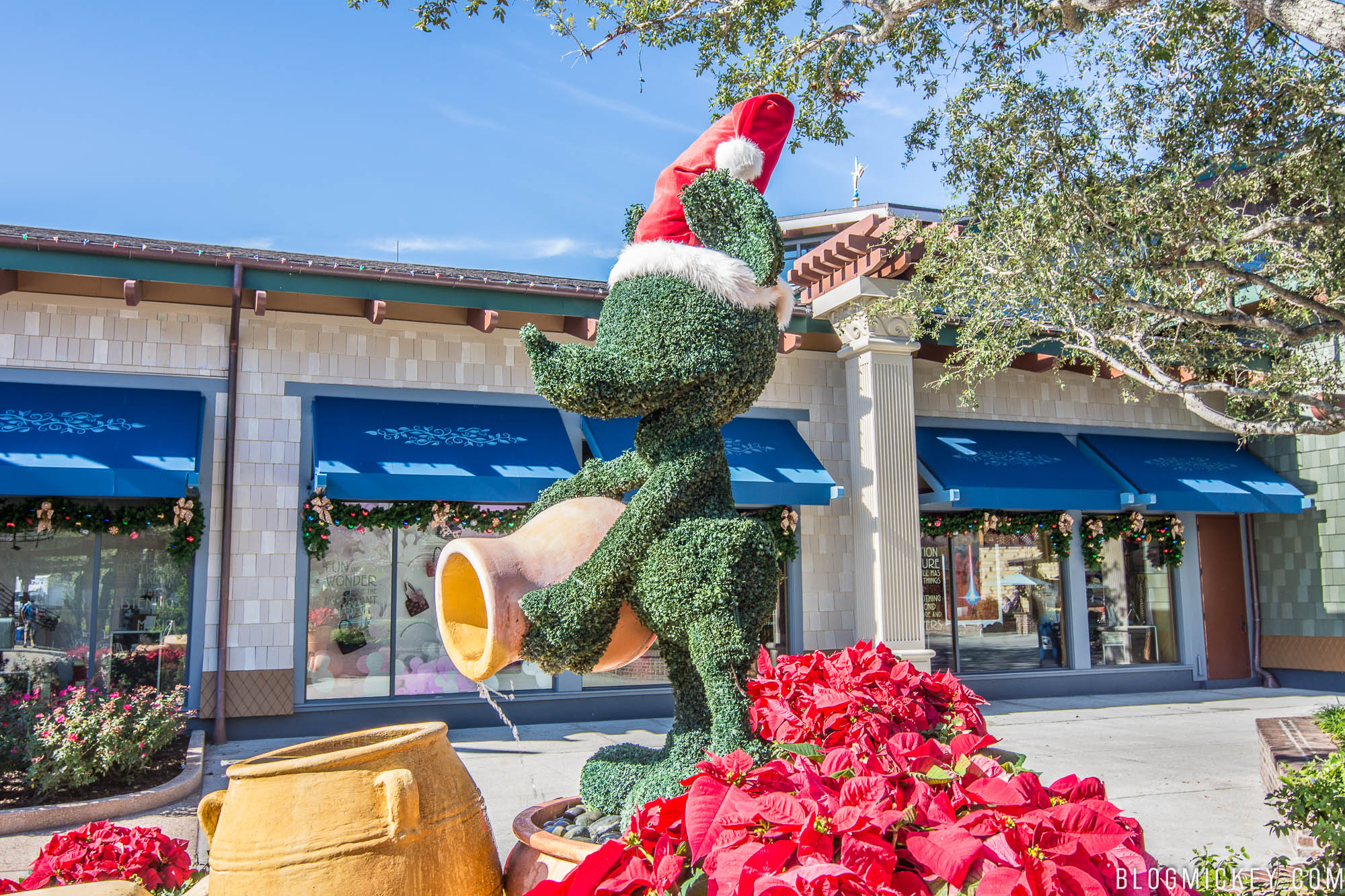 photos 2017 christmas decorations at disney springs blog mickey