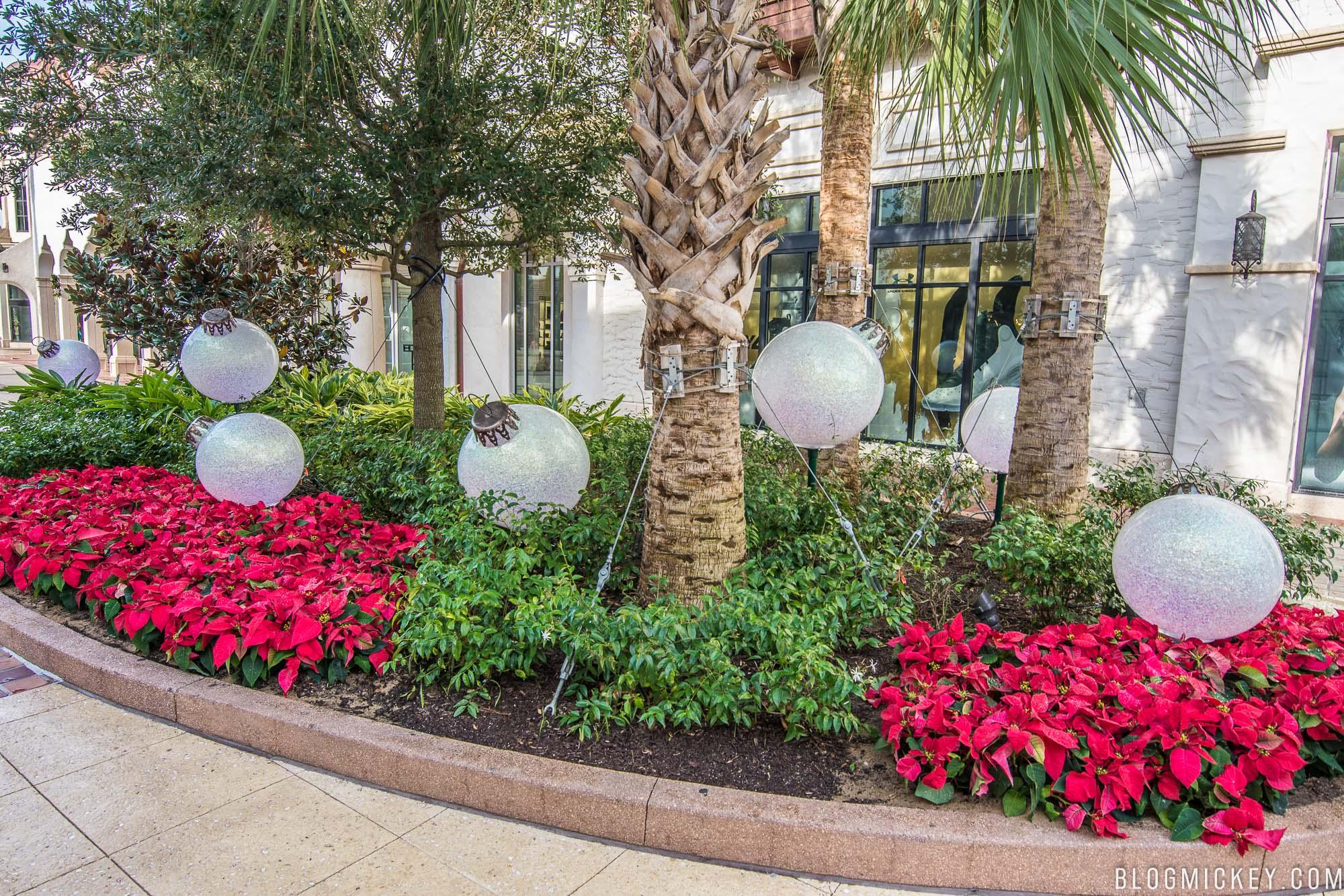 PHOTOS: 2017 Christmas Decorations at Disney Springs - Blog Mickey