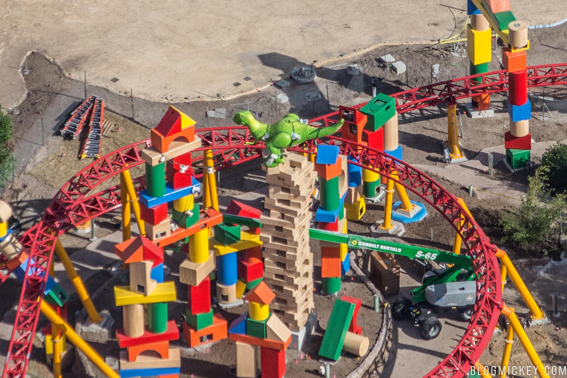 toy-story-land-rex-figure-11062017-2.jpg