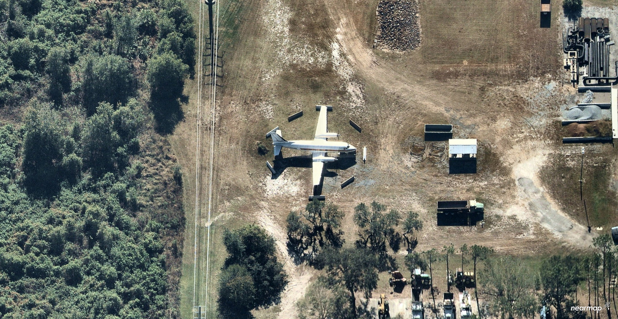 Photos The Mouse Walt Disney S Old Plane Spotted On Disney