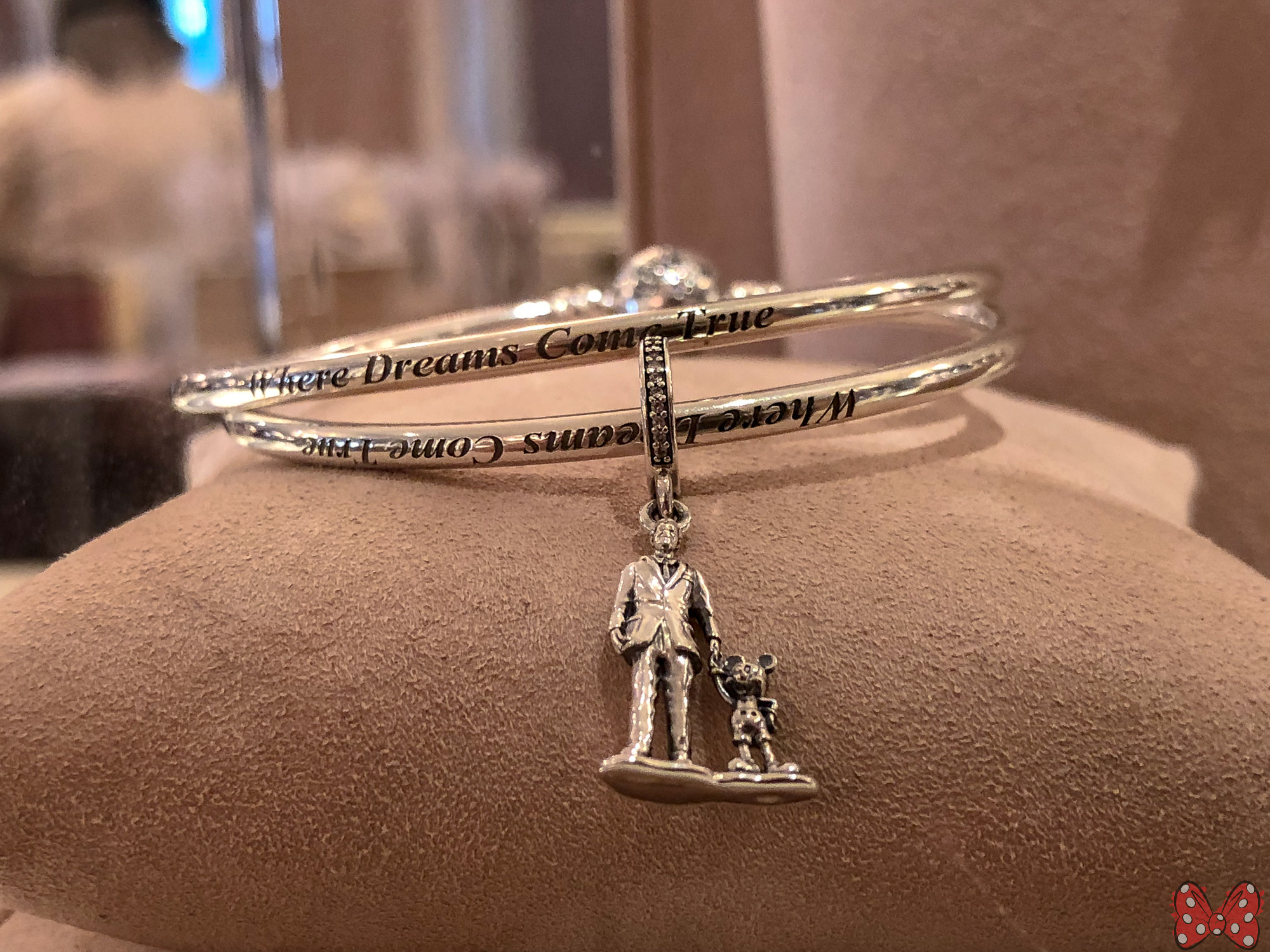 bracelet pandora bangles addict charms peanuts collection persona preview bangle