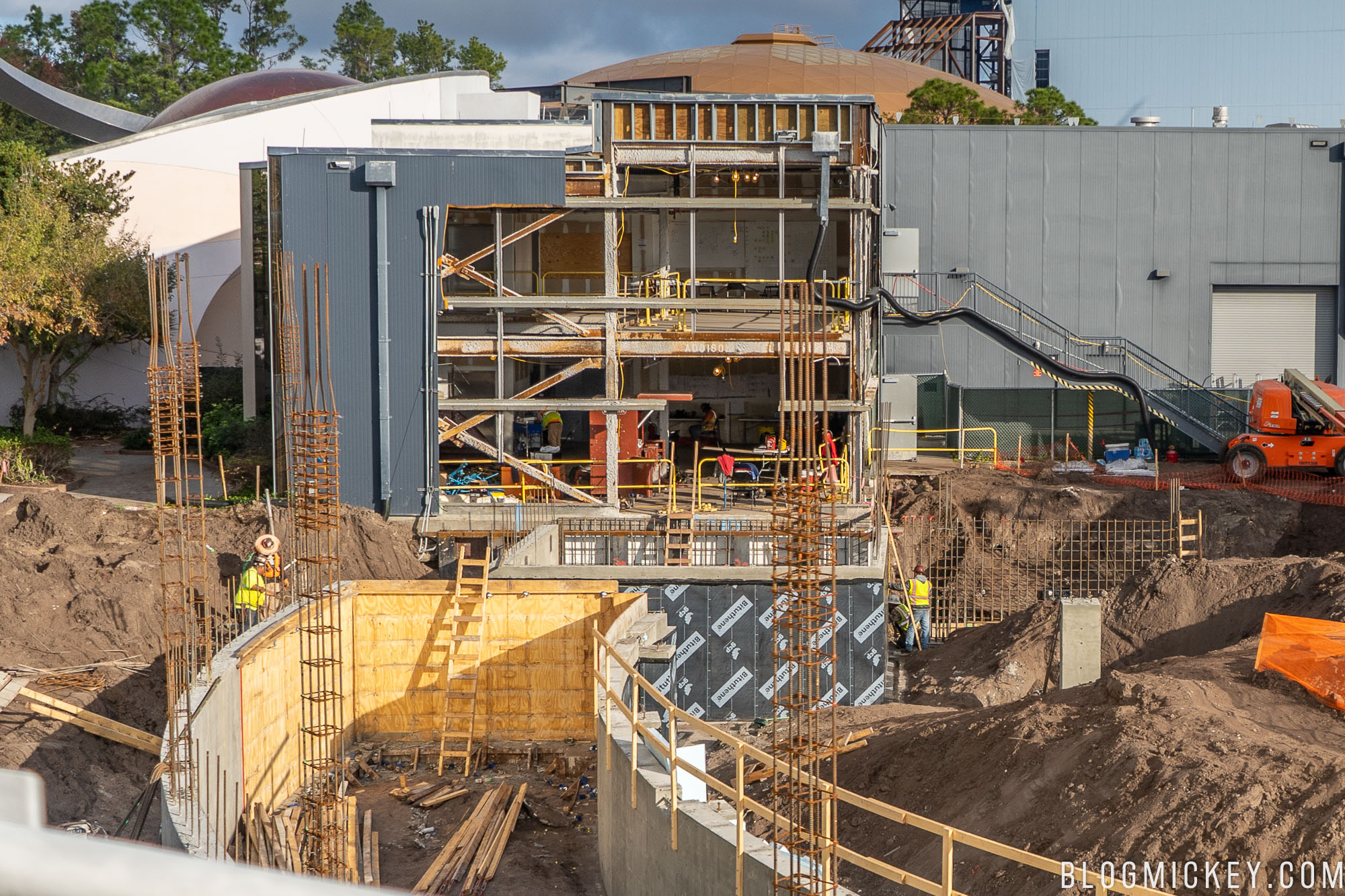 Photos Latest Look At Epcot Space Restaurant Construction