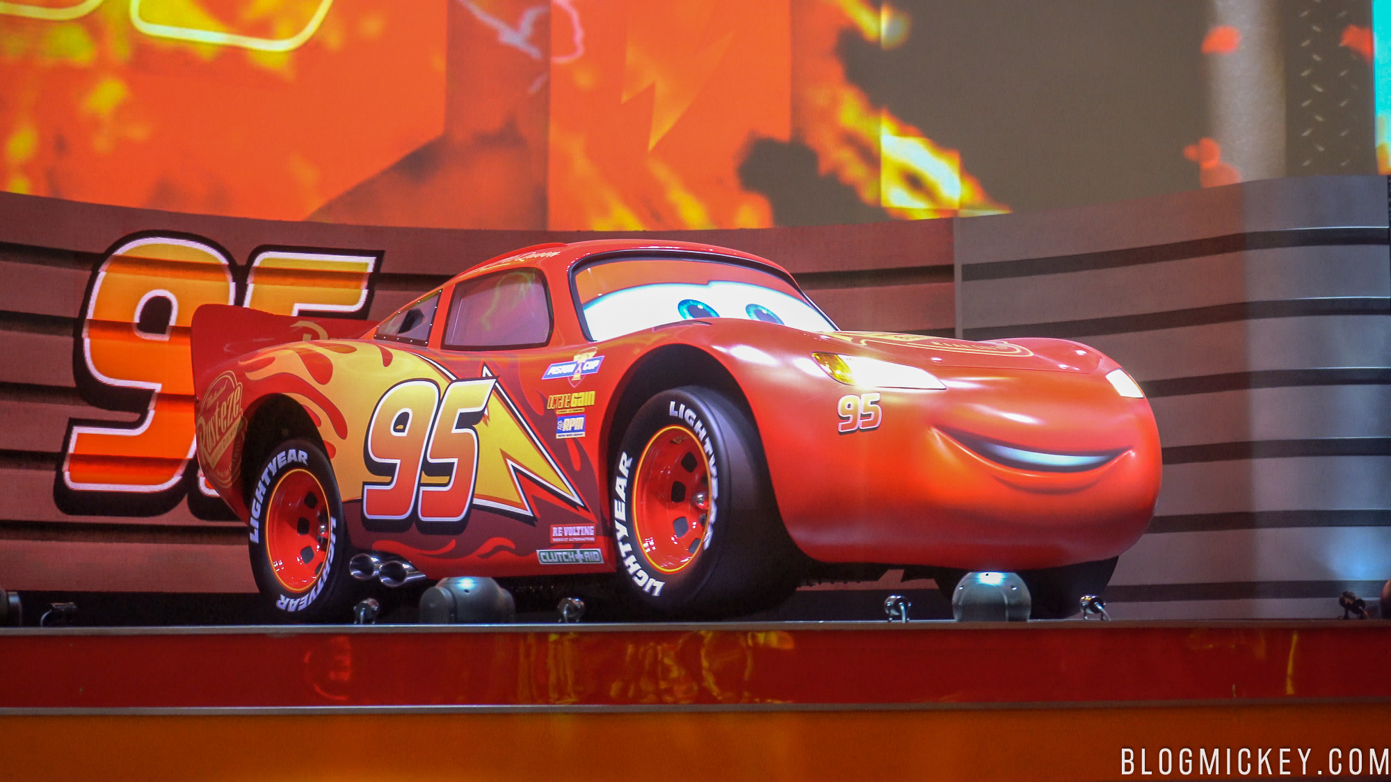 Video Full Show Lightning Mcqueen S Racing Academy Debuts At Disney S Hollywood Studios