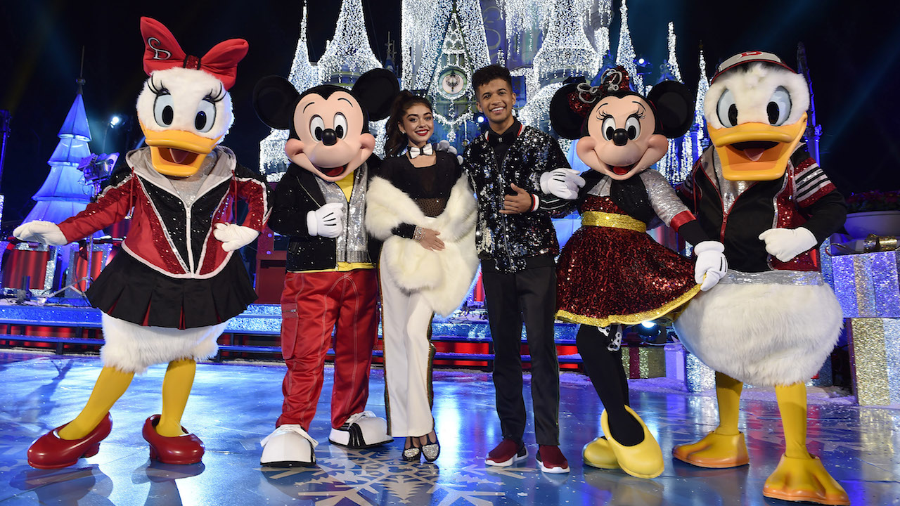 Disney Christmas Parade Taping 2019.Disney Christmas Special To Be Taped From November 7th To