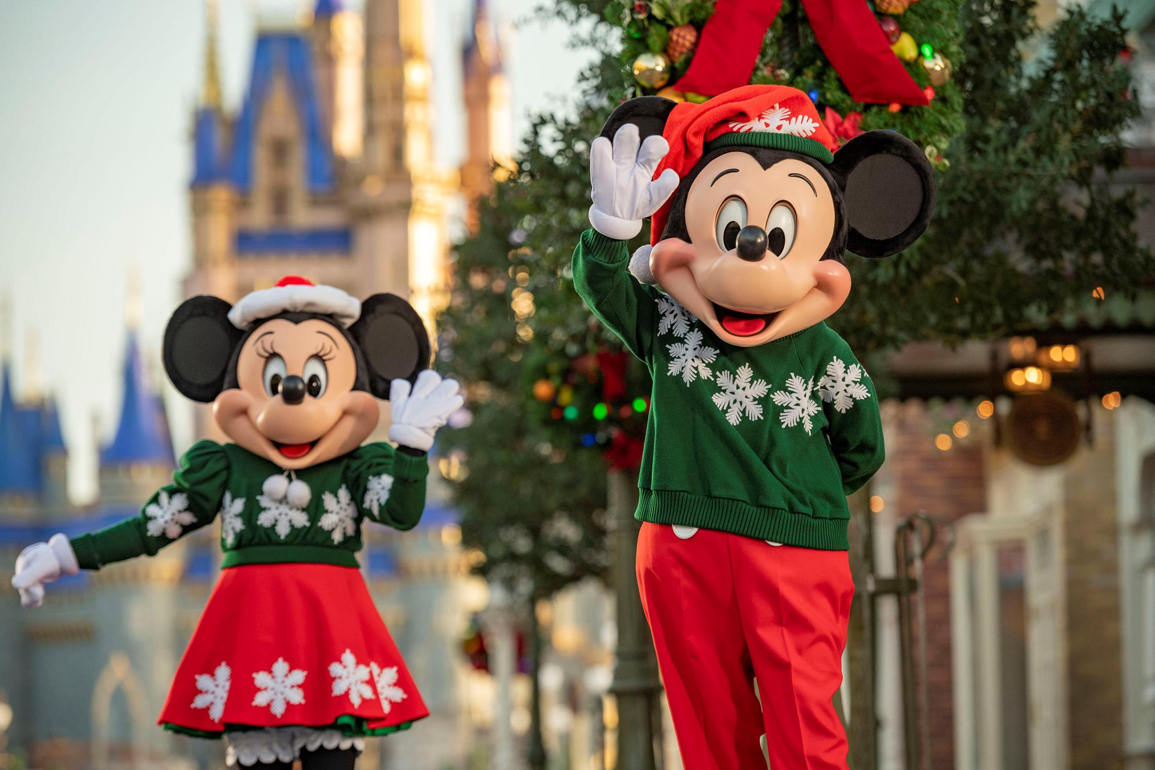 Mickeys Very Merry Christmas Party 2020 Reindeer Wranglers Disney World Announces Christmas Season Details, No Very Merry