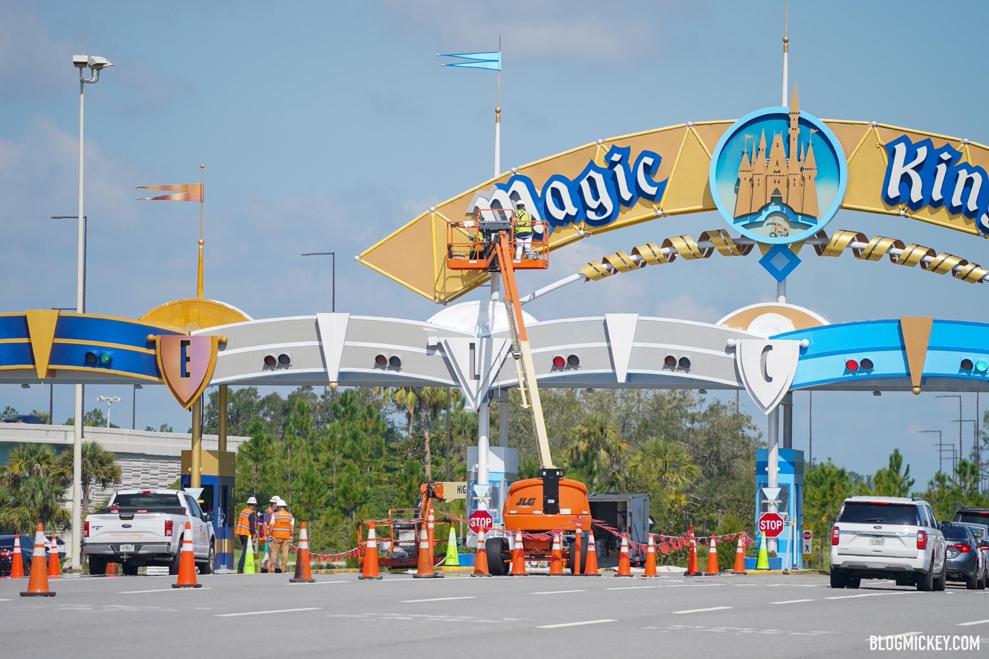 magic-kingdom-parking-plaza-repainting-03.jpg