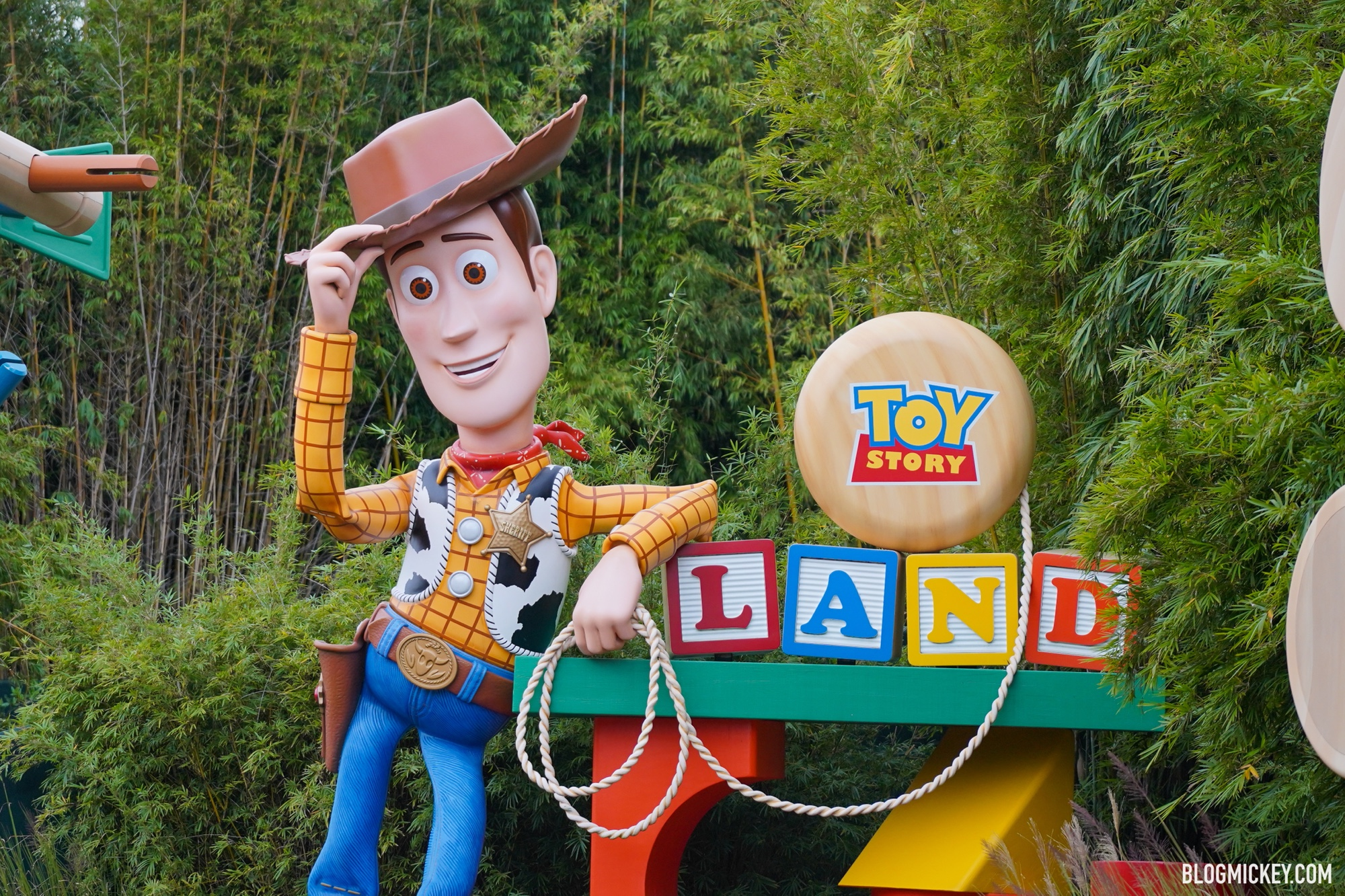 Cowboy Christmas 2020 Vacation Disney Skips Christmas Decorations for Toy Story Land in 2020